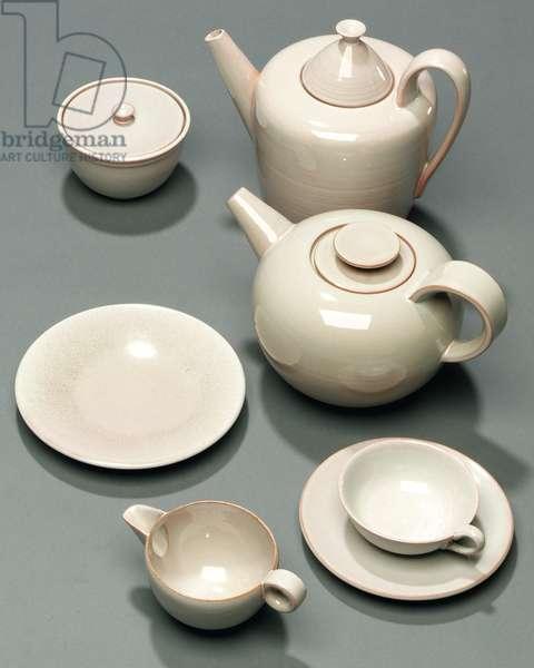 Tea and coffee service, 1932 (stoneware)