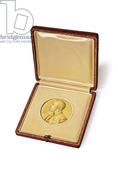 Dr. James D. Watson's Nobel Prize Medal in Medicine or Physiology for his work on the discovery of DNA's structure, 1962 (23 carat gold)