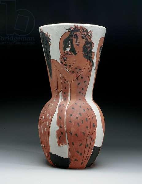 Big Vase with Veiled Women (Alain Rami 116), 1950 (earthenware)