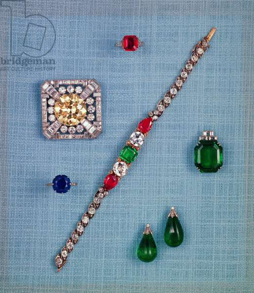 Selection of late 19th century jewellery