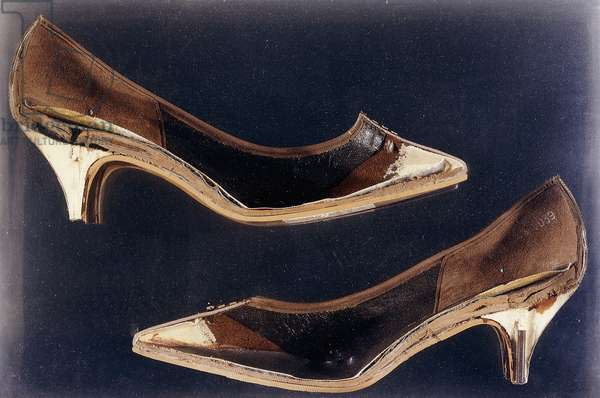 Untitled, 1965 (leather shoes and mirror in perspex box)