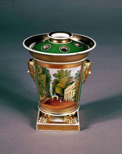 Worcester pot pourri jar with view of Well Walk, Cheltenham (porcelain)