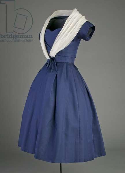 Cocktail dress, 1956 (side oblique view), Silk taffeta, silk organza, Christian Dior