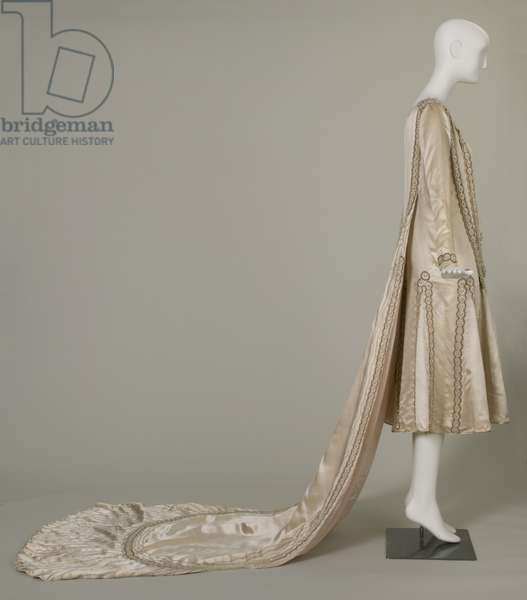 Lesbos wedding dress, 1925 (right side view), Silk satin, pearls, glass beads, metallic thread, Jeanne Lanvin, Paris