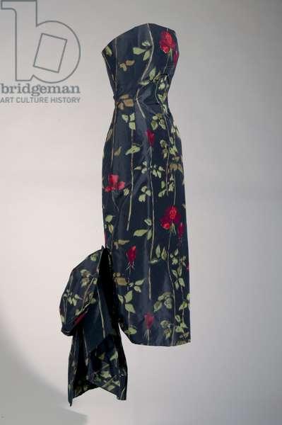Evening dress, 1957 (side oblique view), Silk taffeta, Christian Dior, Paris