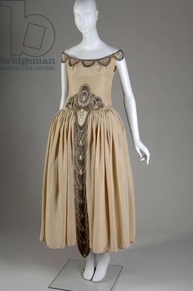 Robe de Style, 1927 (front oblique view), Silk moiré, glass beads, pearls, metallic thread, Jeanne Lanvin, France