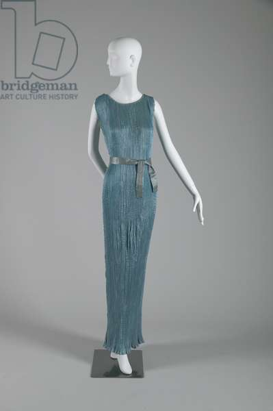 Delphos dress, 1948 (front view), Pleated silk, Mariano Fortuny, Italy