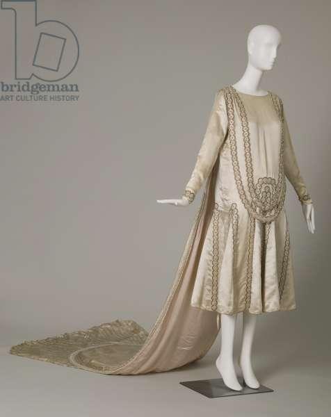Lesbos wedding dress, 1925 (front oblique view), Silk satin, pearls, glass beads, metallic thread, Jeanne Lanvin, Paris