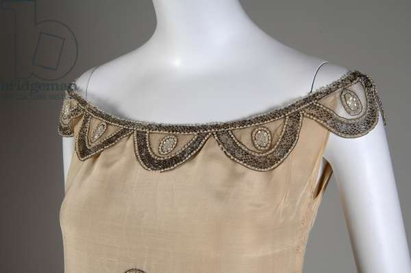 Robe de Style, 1927 (view of bust detail), Silk moiré, glass beads, pearls, metallic thread, Jeanne Lanvin, France