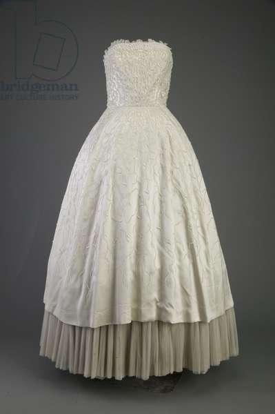 Evening dress, 1952 (front view), Silk satin, iridescent sequins, Christian Dior, Paris