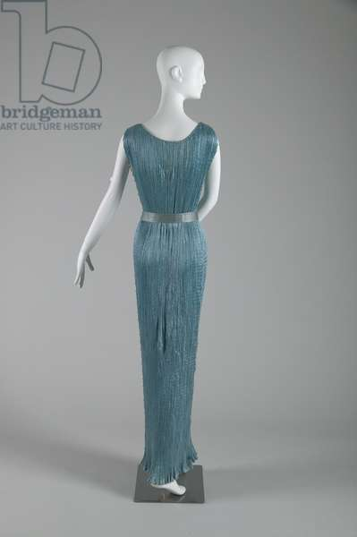 Delphos dress, 1948 (back view), Pleated silk, Mariano Fortuny, Italy