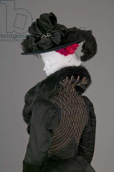 Bertha Palmer's jacket, 1900 (back oblique view), Ribbed silk, wool crepe, fox fur, Monsieur LaFerrière, Paris