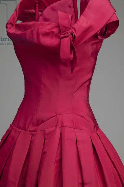 Cocktail dress, 1954 (partial side oblique view), Silk taffeta, Christian Dior, France