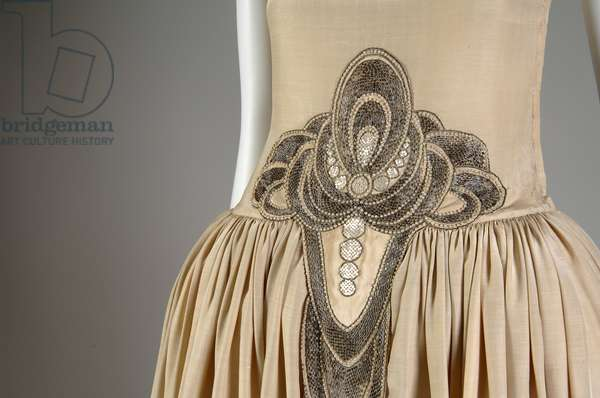 Robe de Style, 1927 (partial view at waist), Silk moiré, glass beads, pearls, metallic thread, Jeanne Lanvin, France