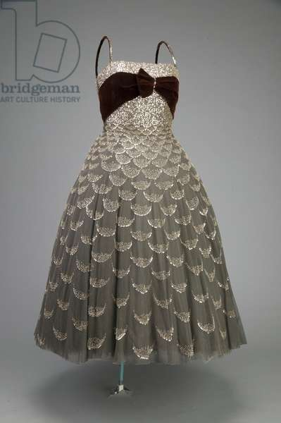 Ball dress, 1951 (front oblique view), Tulle, glass beads, sequins, Christian Dior, Paris
