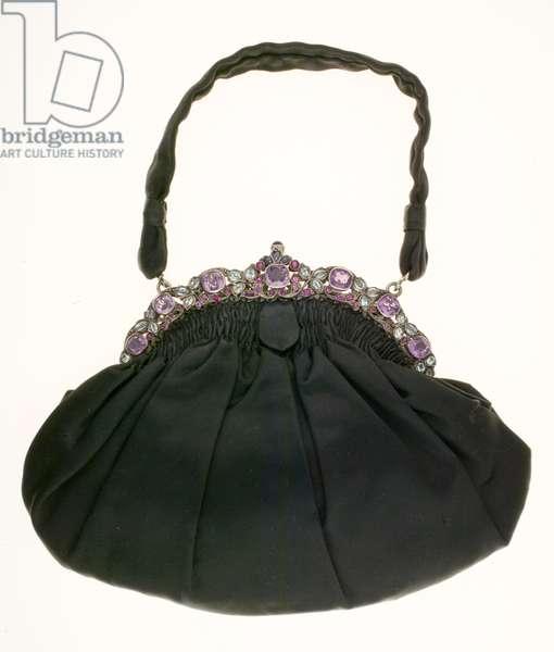 Bertha Palmer's purse, c.1900, Silk satin, silver, amethysts, aquamarines, rubies and sapphires, Maker unknown