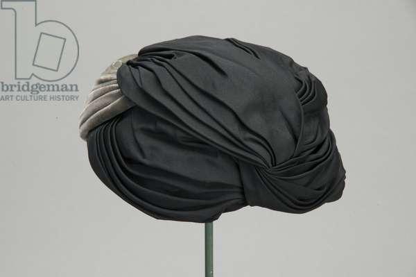 Hat, c.1954, Silk velvet, taffeta, Christian Dior, Paris