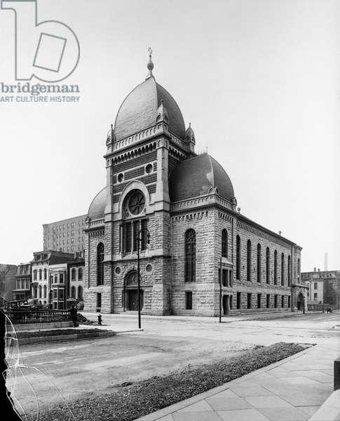Sinai Congregation, Chicago, Illinois, USA, c.1900 (b/w photo)