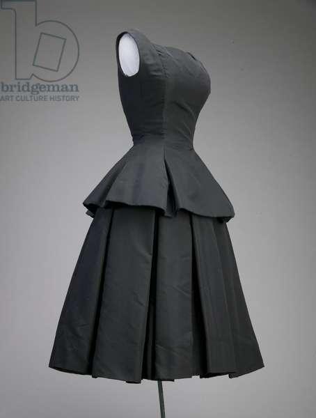 Cocktail dress, ca.1954 (side oblique view), Silk faille, Christian Dior, Inc.