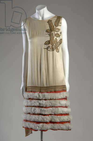 Evening gown, c.1926 (front view), Nicole Groult, France Silk satin and crepe, metallic thread, and fur