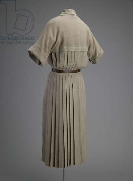 Day dress, 1948 (back oblique view), Wool, plastic, Christian Dior New York.