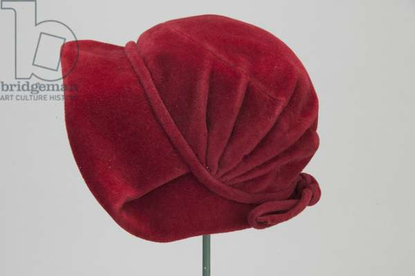 Hat, c.1948 (side view), Silk velvet, Christian Dior, Paris