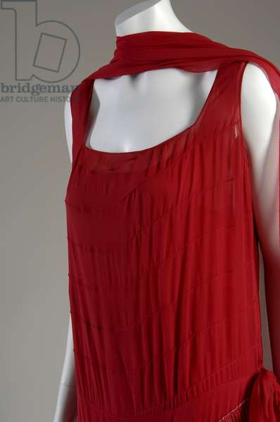 """Evening dress and shawl, c.1925 (front oblique partial view), Gabrielle """"Coco"""" Chanel, France Silk chiffon with silk fringe"""