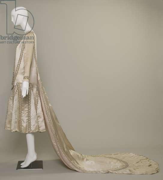 Lesbos wedding dress, 1925 (left side view), Silk satin, pearls, glass beads, metallic thread, Jeanne Lanvin, Paris