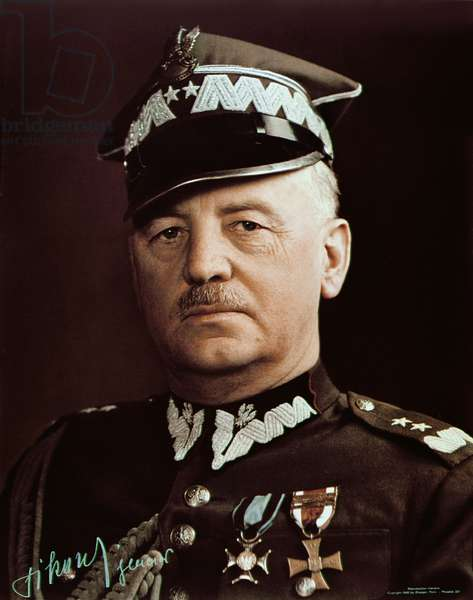 General Wladyslaw Sikorski (1881-1943), 1940 (coloured photo)