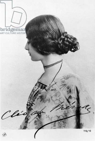 Cleo de Merode, c.1890s (b/w photo)