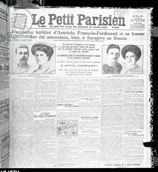 Assassination of Archduke Franz Ferdinand of Austria (1863-1914) and his wife, from 'Le Petit Parisien', 29th June 1914 (litho) (b/w photo)