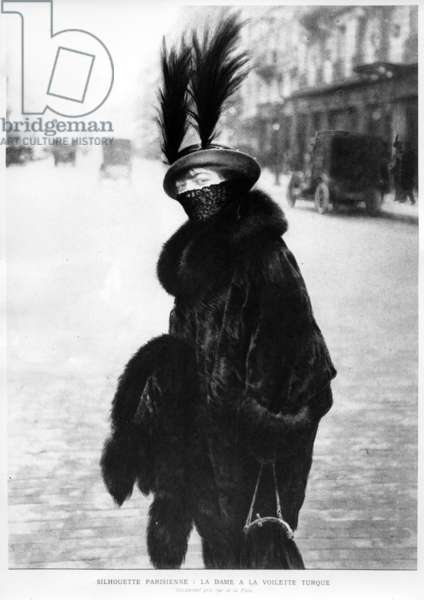 A Parisian Silhouette : Lady with a Turkish Veil,  seen in the rue de la Paix, Paris, c.1913 (b/w photo)