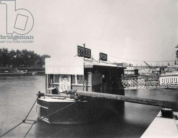 Boat on the Seine (b/w photo)
