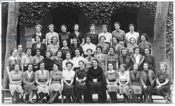 Simone de Beauvoir (1908-86), Class of Philosophy, Lycee Moliere in Paris, 1938 (b/w photo)