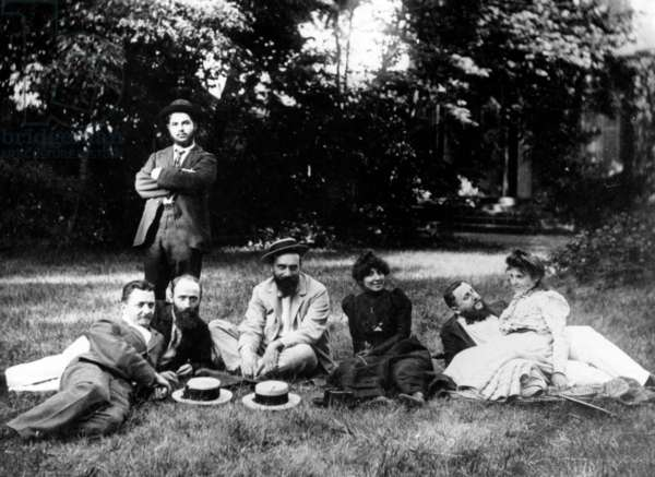 Members of the Nabis group sitting in the garden of the Relais, the Natansons' home in Villeneuve sur Yonne (b/w photo)