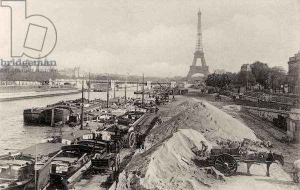 River Seine and Pont de Grenelle, Paris (b/w photo)