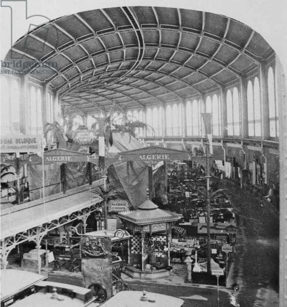 The Galerie Circulaire at the Exposition Universelle of 1867 (b/w photo)