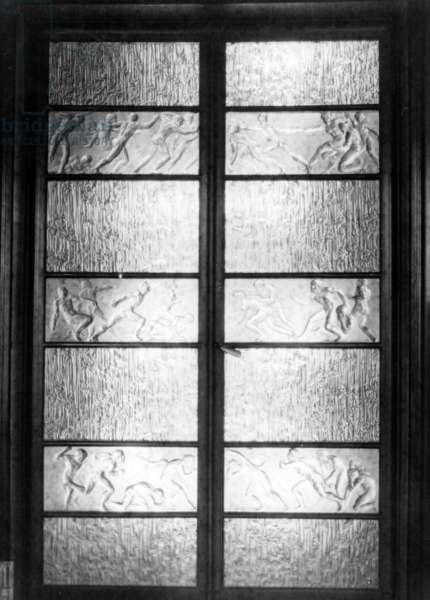 Crystal 'Lalique' doors from Jacques Doucet's Studio, c.1920-30 (b/w photo)