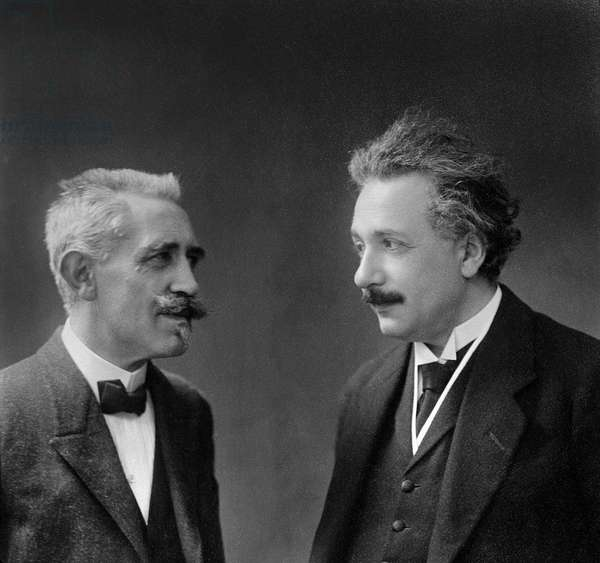 Portrait of Paul Langevin (1872-1946) and Albert Einstein (1879-1955) 1922 (b/w photo) (detail of 173228)