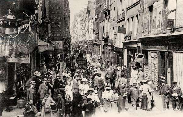 Rue des Gravilliers, Paris, before 1914 (b/w photo)