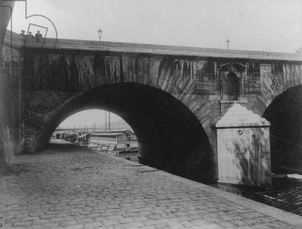 Quai d'Anjou, Pont Marie, Paris (4th Arrondissement), 1911 (b/w photo)