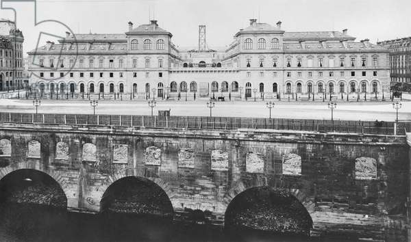 View of the Hotel-Dieu at the time of its construction, Paris, after 1867 (b/w photo)