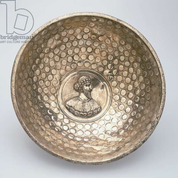 Bowl with portrait medallion, early Sassanian dynasty (224-651), late 3rd or early 4th century (silver)