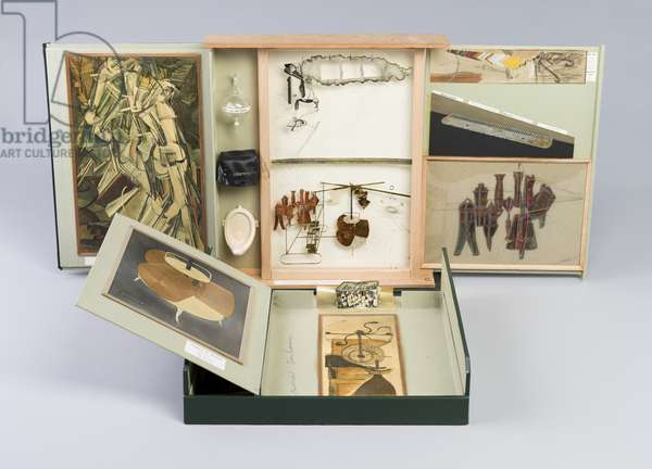 Box in a Valise [Boîte-en-valise] From or by Marcel Duchamp or Rrose Sélavy [de ou par Marcel Duchamp ou Rrose Sélavy], 1963 (green leather valise containing miniature replicas, photographs, and colour reproductions of works by Duchamp)