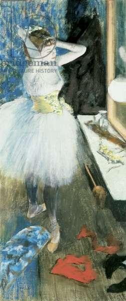 Dancer in her dressing room, c.1879 (pastel & peinture a l'essence on canvas)