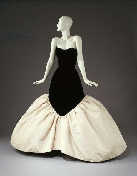 Lampshade evening dress, 1956 (silk)