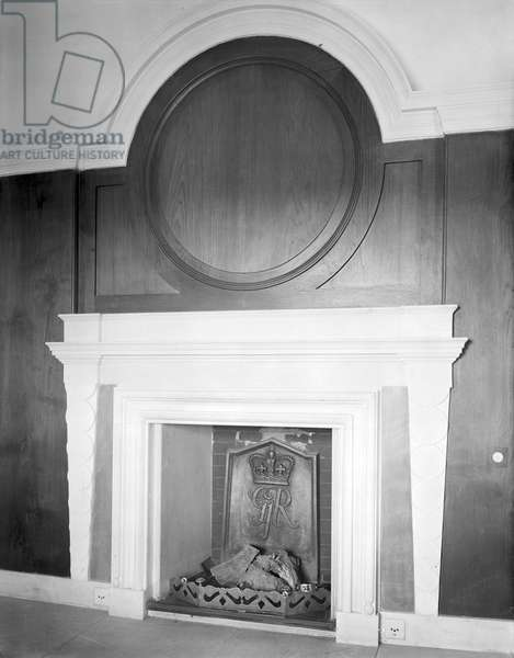 A fireplace at the Viceroy's House, from 'Edwin Lutyens: Country House' (b/w photo)