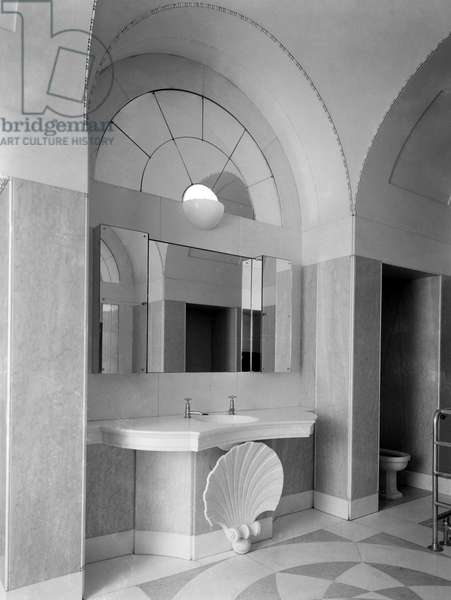 Lady Jersey's bathroom at Middleton Park, from 'Edwin Lutyens: Country Houses' (b/w photo)