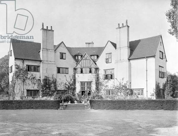 The east front of Papillon Hall, from 'Edwin Lutyens: Country Houses' (b/w photo)