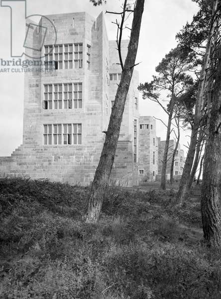 The south end of Castle Drogo, from 'Edwin Lutyens: Country Houses' (b/w photo)
